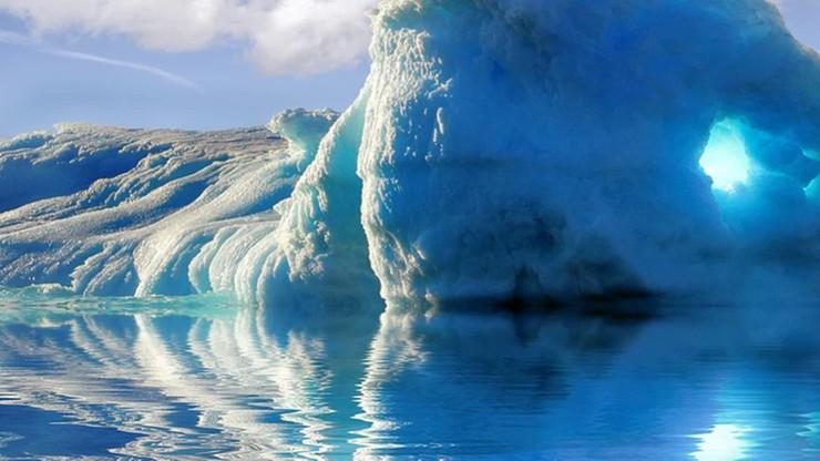 Gigantyczna góra lodowa zmierza w kierunku brytyjskiej wyspy