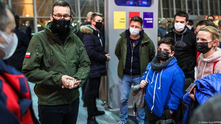 Rząd wysłał specjalny samolot z medykami do Wielkiej Brytanii. Pomogą w powrocie polskich kierowców