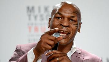 Tyson kolejny raz imponuje formą. Co za szybkość! (WIDEO)