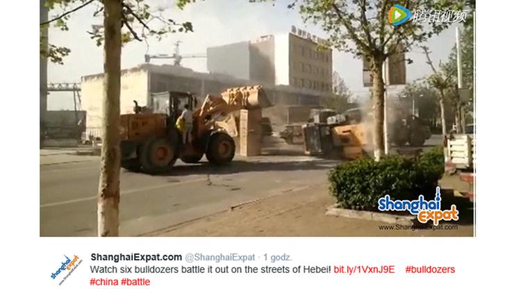 Chińscy budowlańcy urządzili sobie... bitwę na buldożery