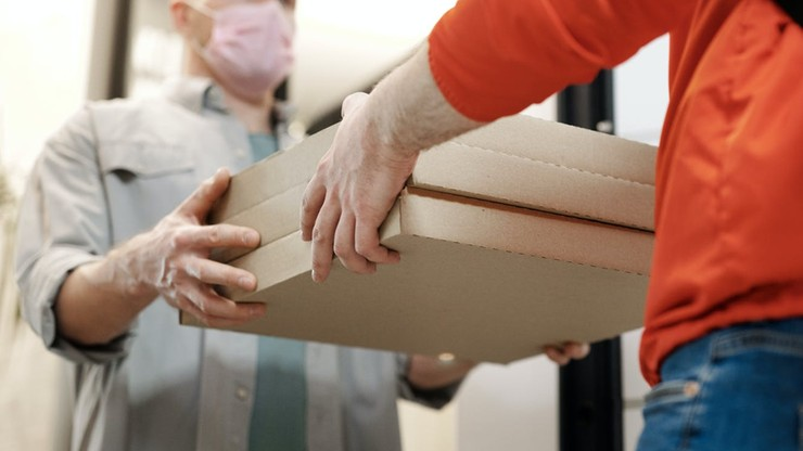 """Pracowita jesień dostawców. Druga fala koronawirusa przyniesie """"nawał zamówień"""""""