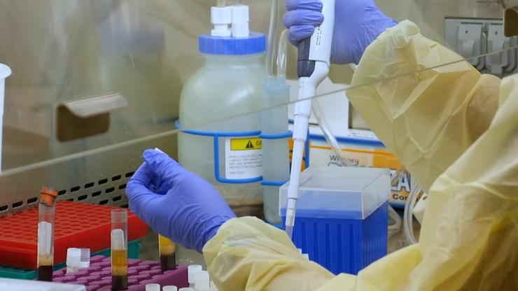 """""""Ultrasilna"""" szczepionka na COVID-19 opracowana przez komputer"""