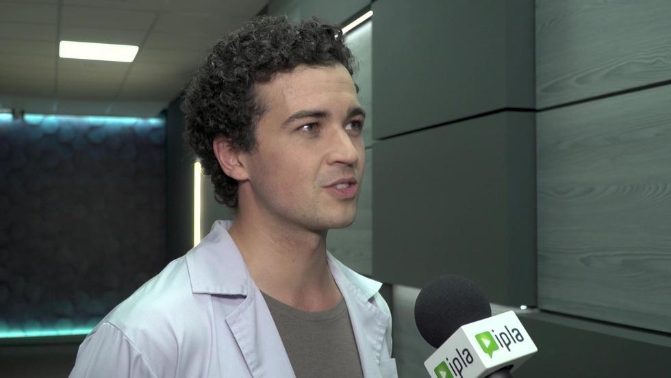 """James Malcolm o postaci w serialu """"Ślad"""""""